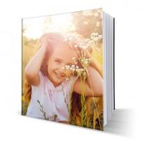 Livre photo rigide Carré à couverture personnalisée 21x21 cm